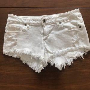 Women's Guess White Jeans Shorts Cutoffs